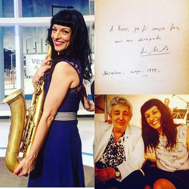 """Y decía la maravillosa #AnaMariaMoix """"yo lo que quería era tocar el saxo"""" en #notimeforflowers"""