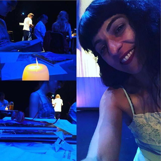 roser amills #pajaritas de #bladerunner sobre el escenario de @festival_poesart Artà BUSCA LAS DOS PAJARITAS #PoésArt2018 #poesia #festivaldepoesia #poetry #poetryfestival #talentib #arta #mallorca #summer #estiu #poetrylovers #poetrygram #poetryisnotdead #poetryislove