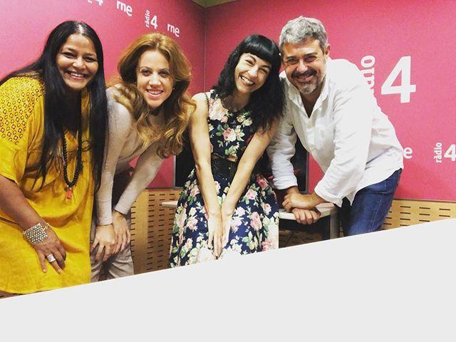 roser amills en la radio! de 10h a 10:30h en #son4dies de @GoyoPrados en @radio4_rne en directo!