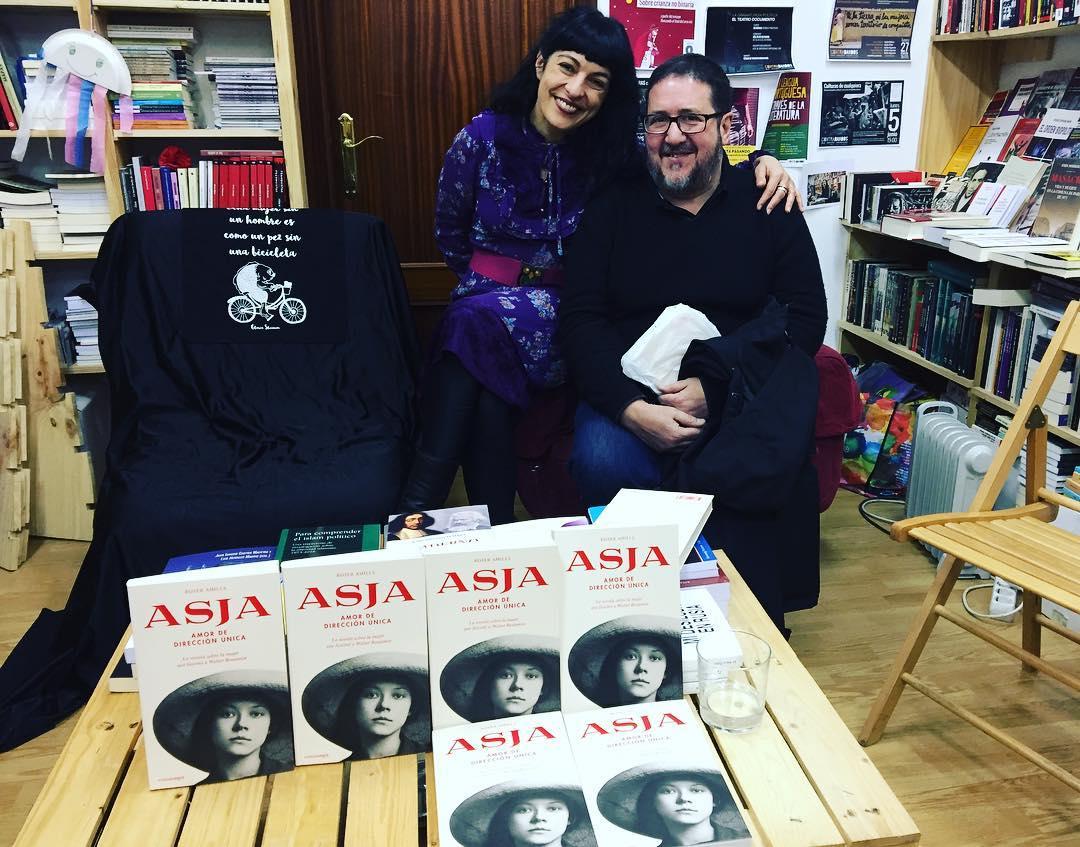 Gracias de nuevo por elegir mi novela sobre la atormentada historia de amor entre #asjalacis & #walterbenjamin Me hacéis muy feliz! #amor #filosofia #revolucionrusa #segundaguerramundial