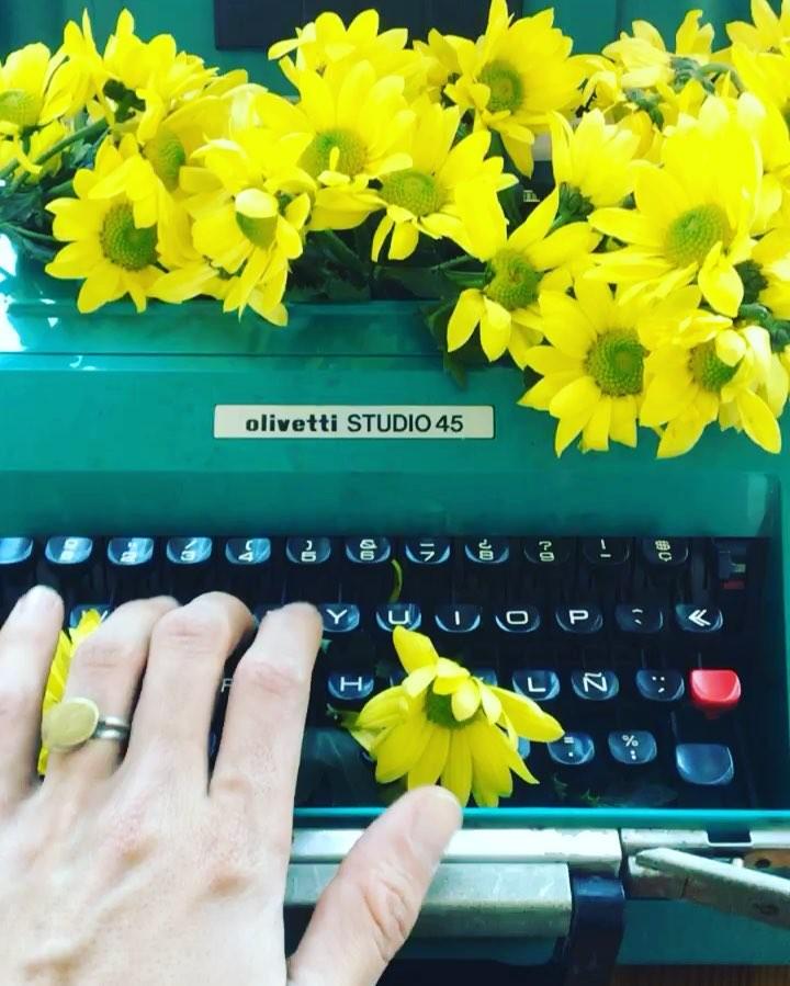 Comunicaciones matutinas con la #florivetti de @nosoyjoseniluis ;)) 🌼