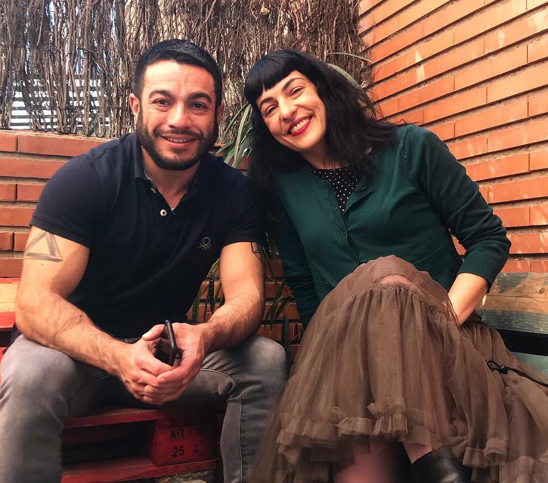 Atentos: ya tenéis online la entrevista que me ha hecho Miquel Claudi-López @miquelclaudilopez para @livedinner.tv en su web ;)) [con mi falda preferida de @ottovanrhuskbcn 💕]