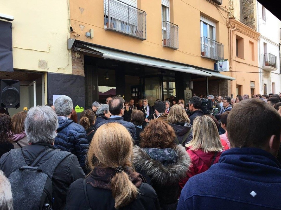 La Vanguardia | Un centenar de autores participan mañana en Merienda Literaria de Torroella