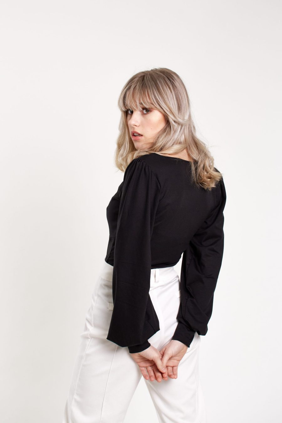 Our Day One top in black, detail balloon sleeve