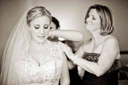bride-mother-getting-ready
