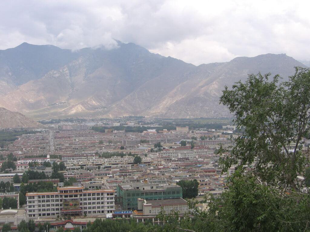 Vista de Lhasa desde el Palacio de Pothala