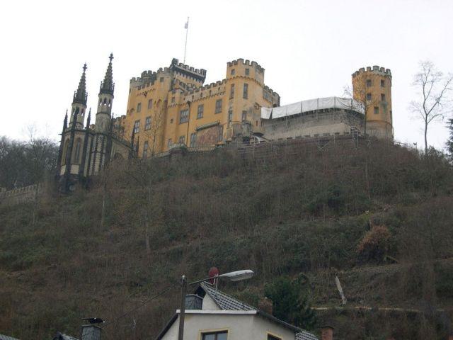 Castillo, vista desde el Rin, Alemania, desde Coblenza.