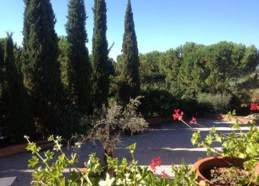 La tarde cae en Sinalunga, la Toscana.
