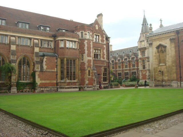 Cambridge, college