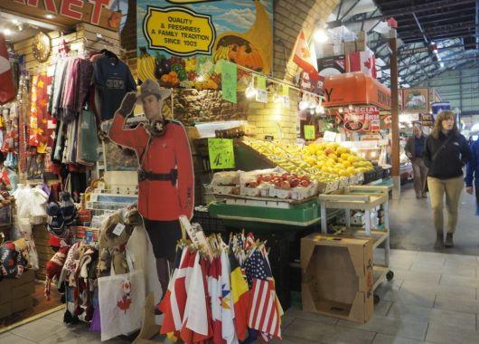 St Lawrence, Toronto. Puestos de souvenirs