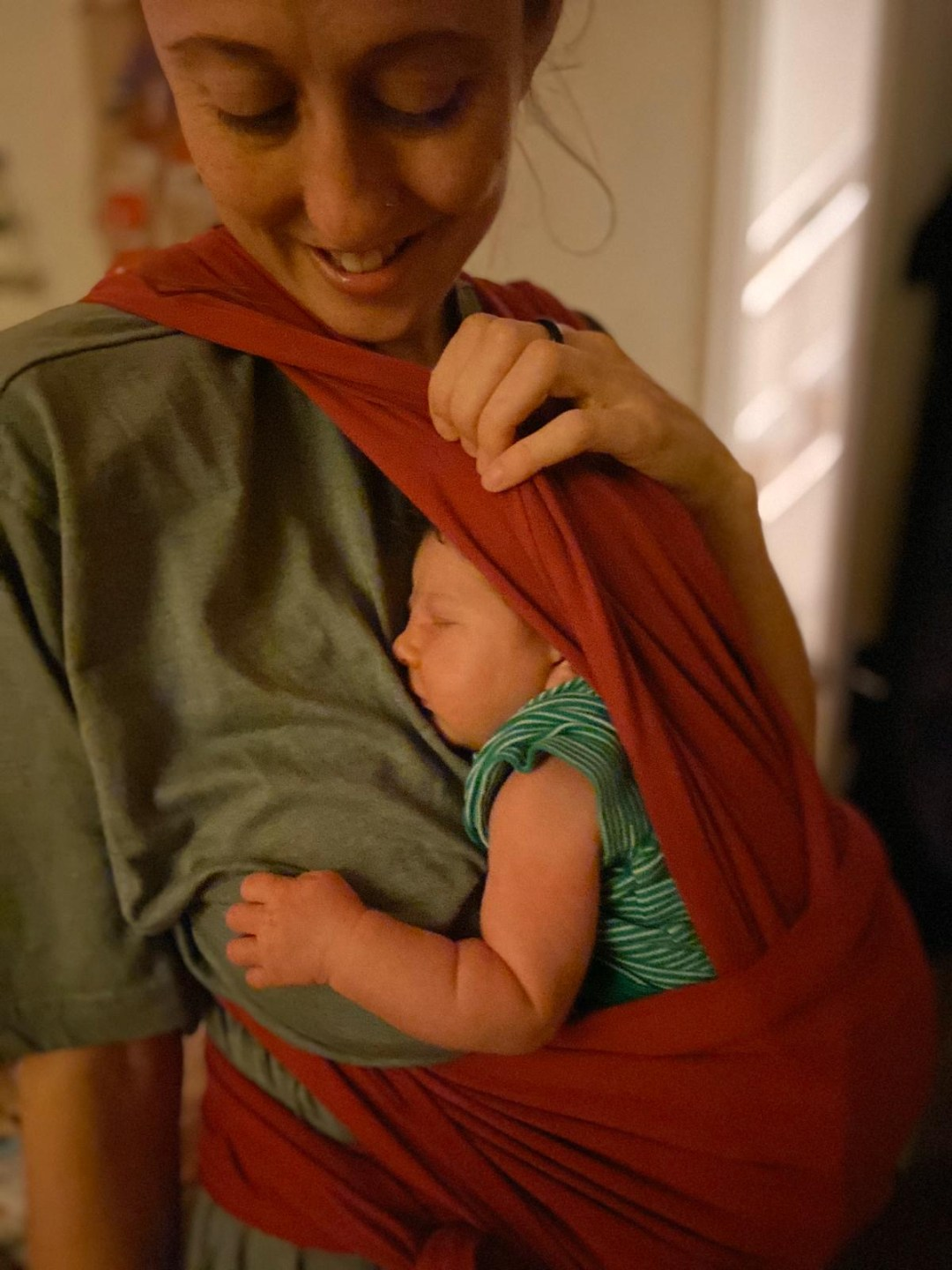 Megs with baby in sling Doula Rosie Carter-Suso @doularoot