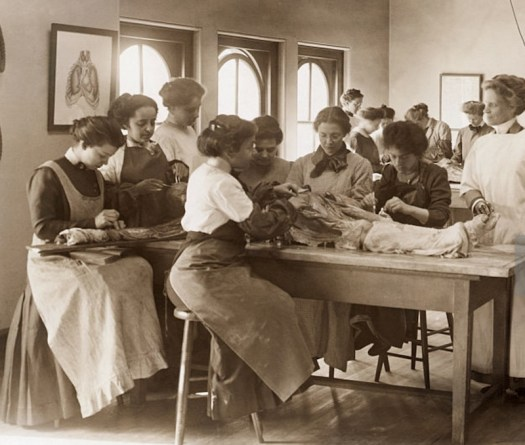 Women's Medical School, Philadelphia. 1900. Dissection.