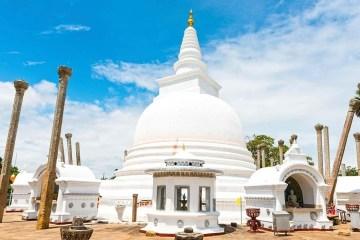 Wielka Sobota w sercu buddyzmu, czyli brunetka na Sri Lance