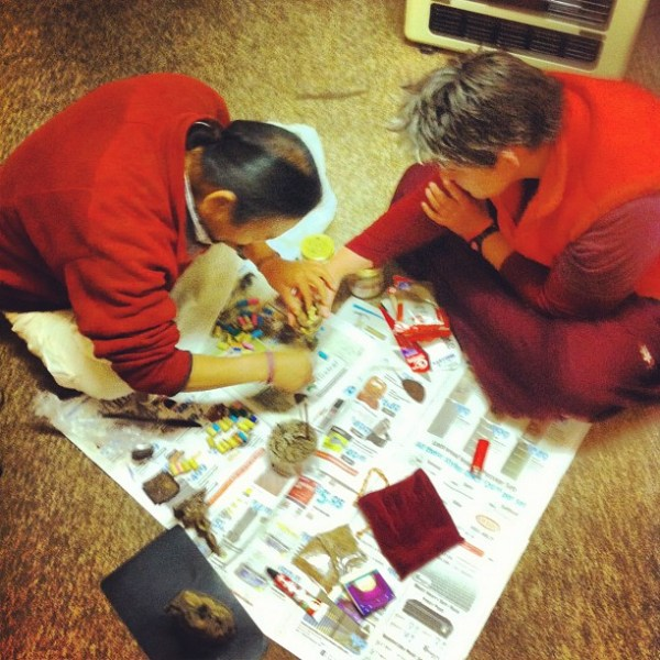 Filling holy statues & stupas