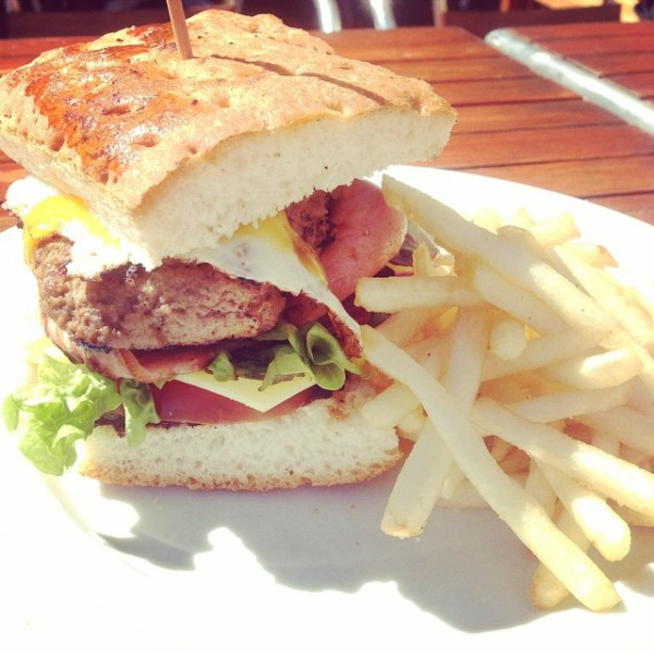 Beef burger w/ chips