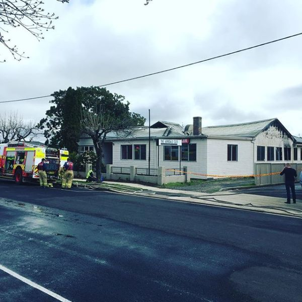 Armidale Icon Burns... Historic Armidale Club catches fire...