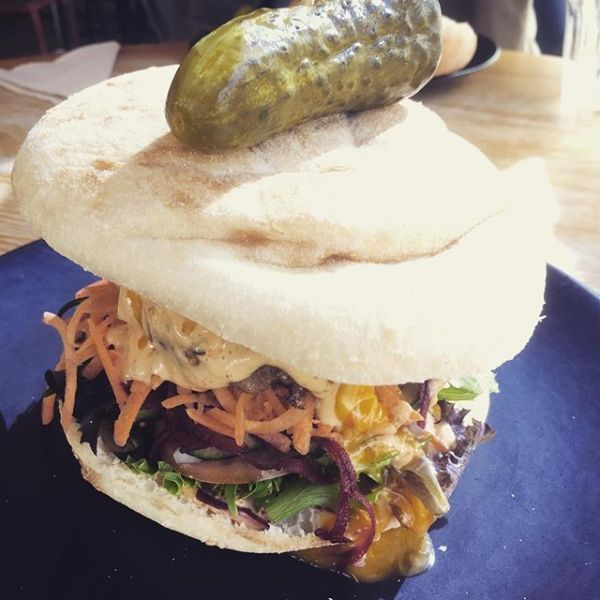 Coco's Big Burger