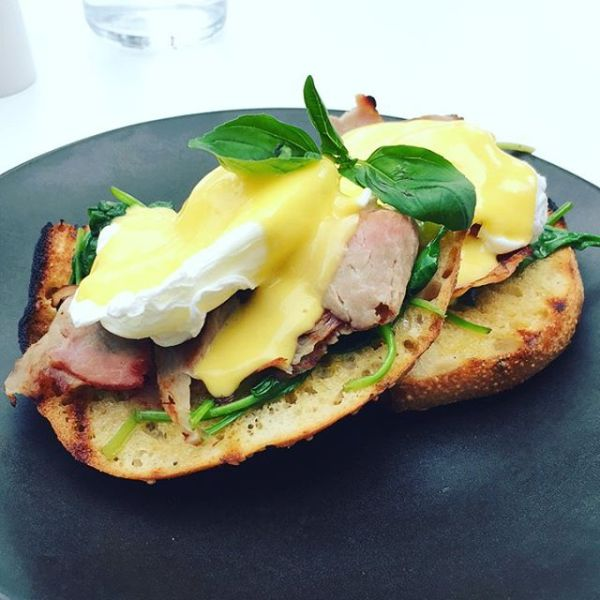 Eggs Benedict with smoked ham