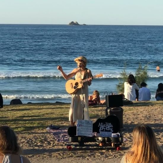Today's beautiful Byron sunset busker, Alice Hills @alicehillsberlin