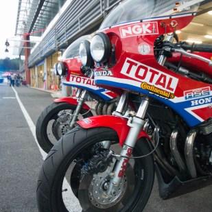 Les stands des bikers classics 2014. Photos par www.rossifumi46.fr
