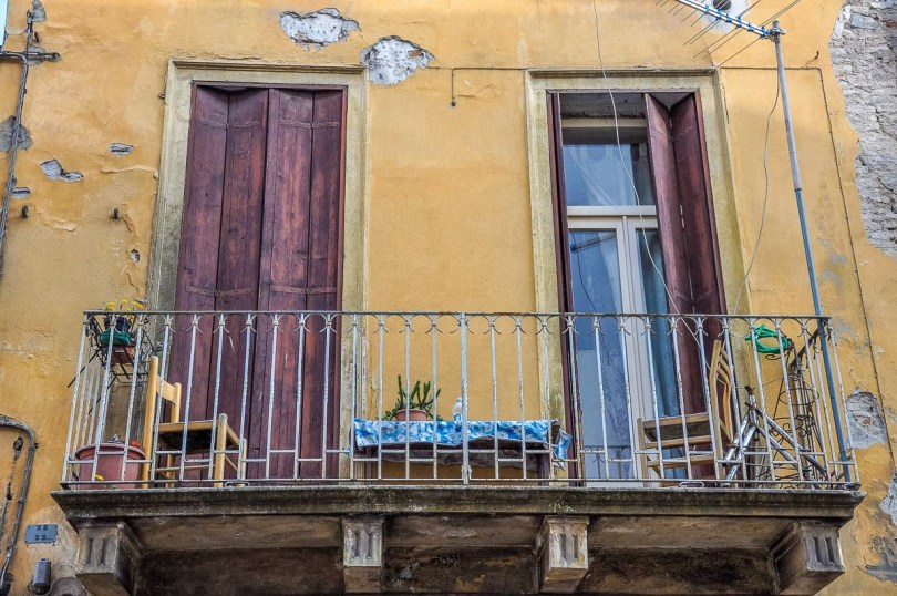 A small Italian balcony with potted succulents - Vicenza, Italy - rossiwrites.com