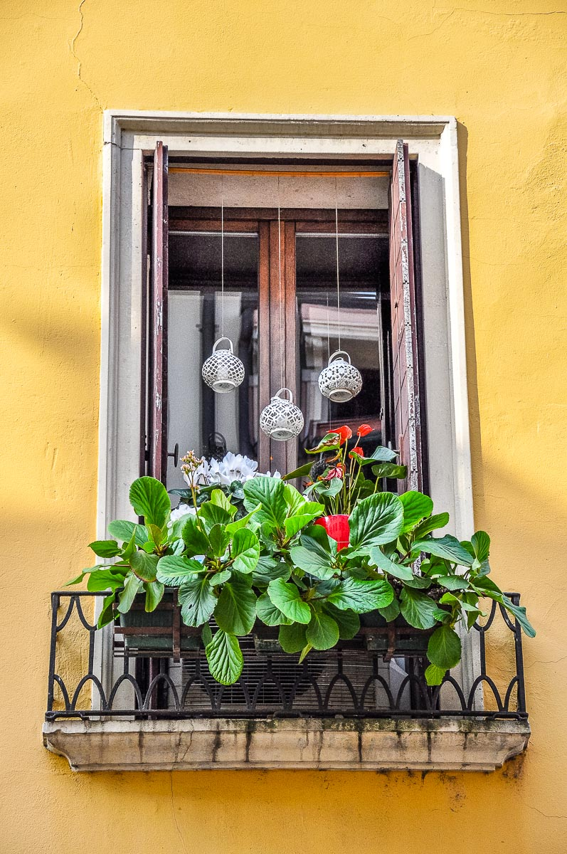 Small balcony decoration idea - Vicenza, Italy - rossiwrites.com