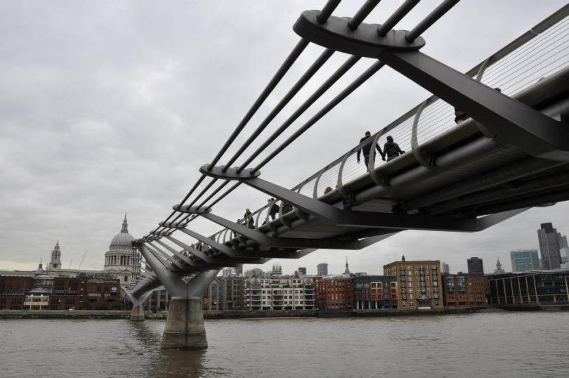 Millenium Bridge, London, UK - www.rossiwrites.com
