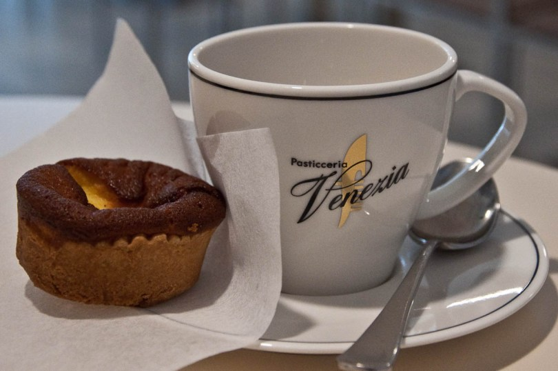Ginseng coffee and ricotta and honey cake, Pasticceria Venezia, Vicenza, Italy-2 - www.rossiwrites.com