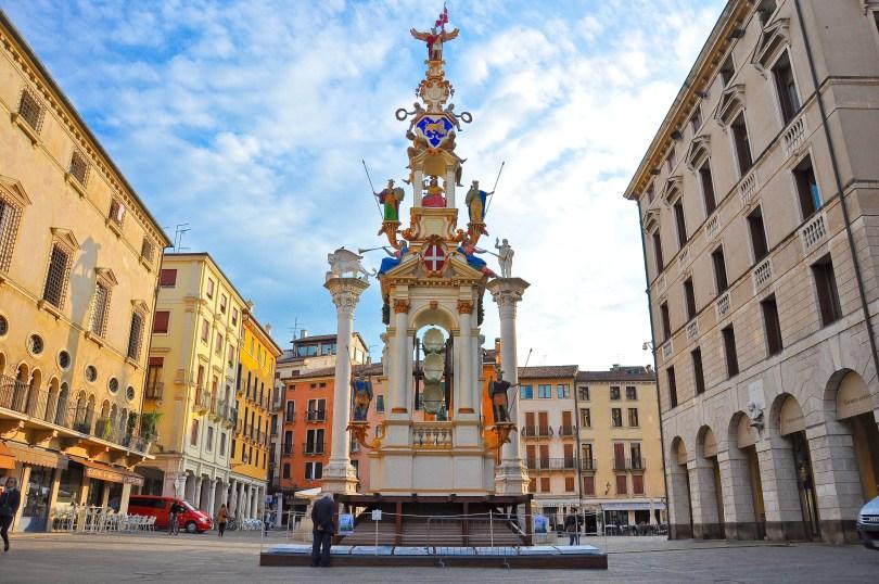 Giro della Rua, Piazza dei Signori, Vicenza, Italy