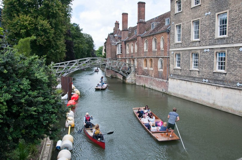Mathematical bridge, Queen's College, Cambridge, England - www.rossiwrites.com