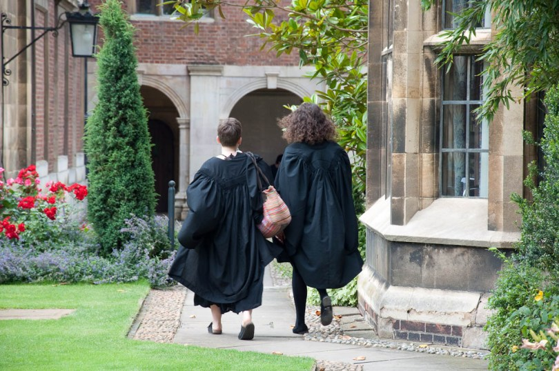 Students, Pembroke College, Cambridge, England - www.rossiwrites.com