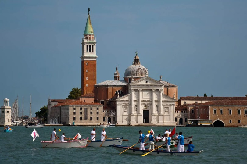 Getting ready for the regatta in front of San Giorgio Maggiore, Historical Regatta, Venice, Italy - www.rossiwrites.com