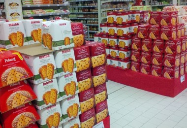 boxes-of-scrumptious-panettone-vicenza-italy-www.rossiwrites.com