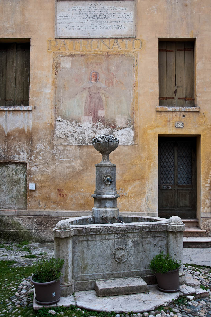 An old water fountain - Asolo, Veneto, Italy - www.rossiwrites.com