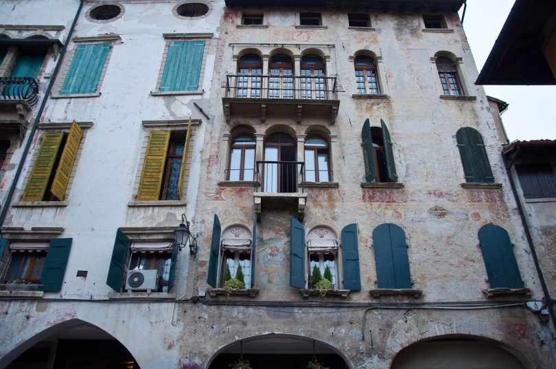 Buildings with faded frescoes - Asolo, Veneto, Italy - www.rossiwrites.com