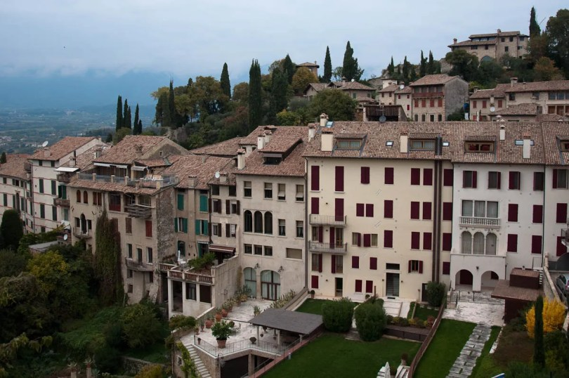 Hilltop houses - Asolo, Veneto, Italy - www.rossiwrites.com