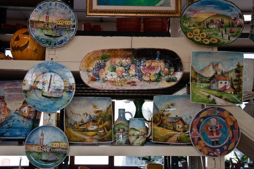 Hand-painted ceramic plates and tiles - Nove, Veneto, Italy - www.rossiwrites.com