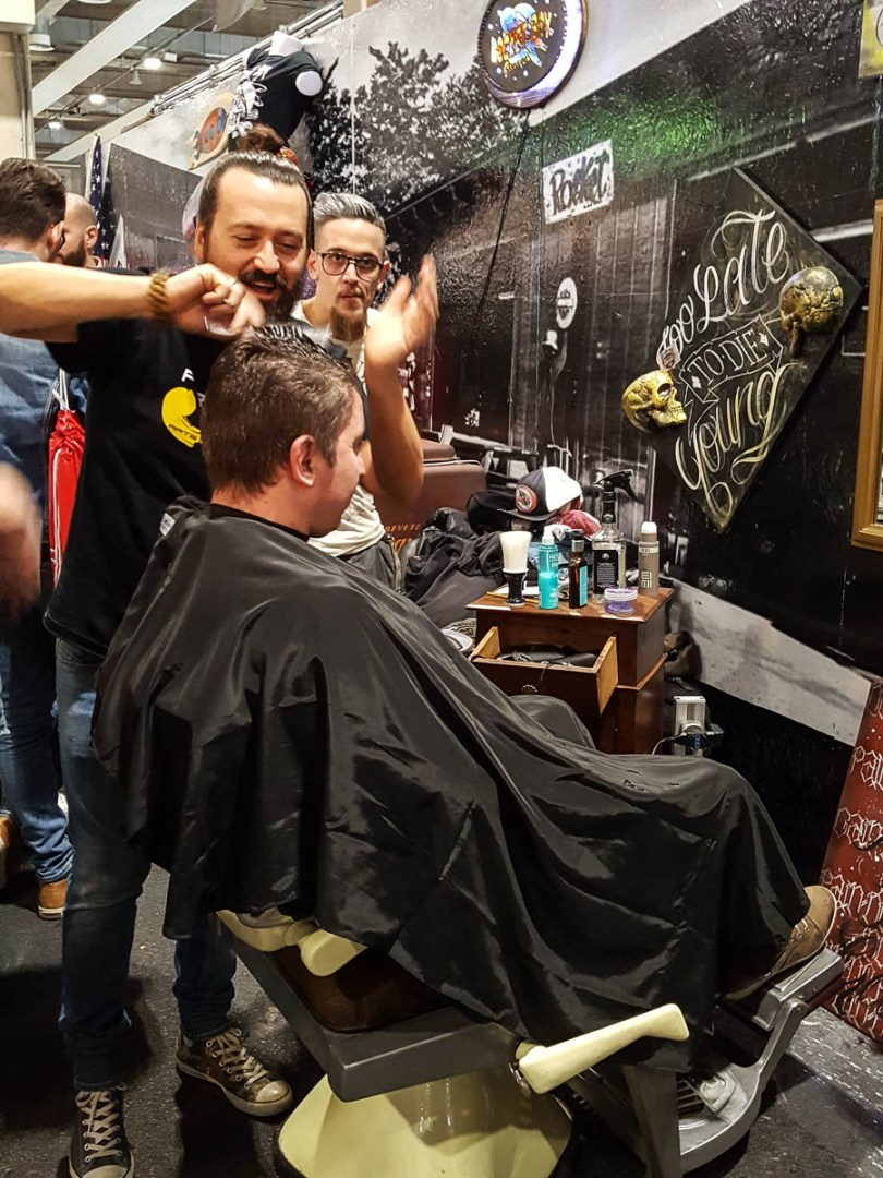 A barber - Verona Motor Bike Expo 2017, Italy - www.rossiwrites.com