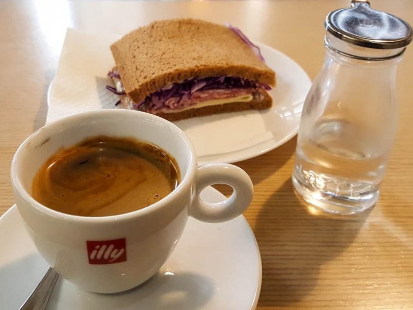 Coffee and sandwich - Vicenza, Veneto, Italy - www.rossiwrites.com