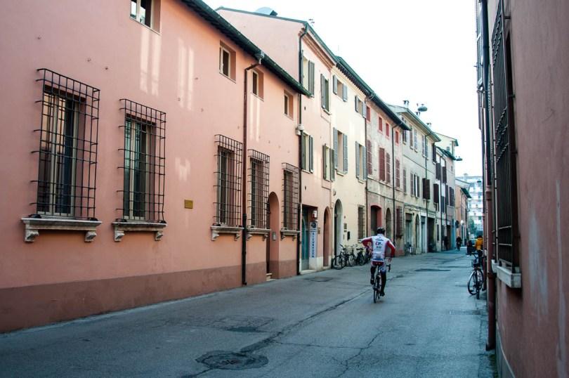 Colourful houses - Ravenna, Emilia Romagna, Italy - www.rossiwrites.com