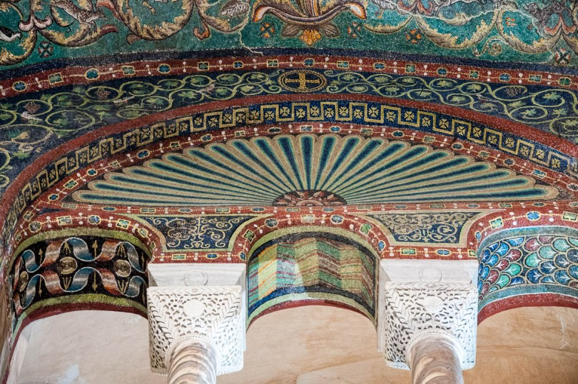 Intricate mosaics - Basilica of San Vitale - Ravenna, Emilia Romagna, Italy - www.rossiwrites.com