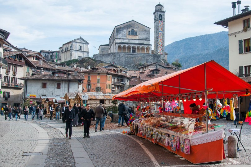 The high street with an orange sweets stall - Bagolino, Lombardy, Italy - www.rossiwrites.com