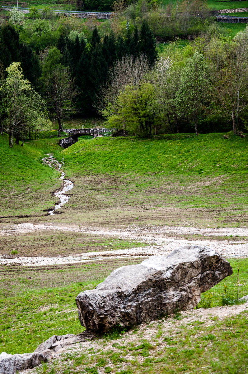 The stream running through the green valley - Laghi, Veneto, Italy - www.rossiwrites.com