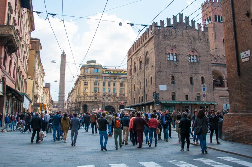Bologna's busy central streets - Bologna, Emilia-Romagna, Italy - www.rossiwrites.com