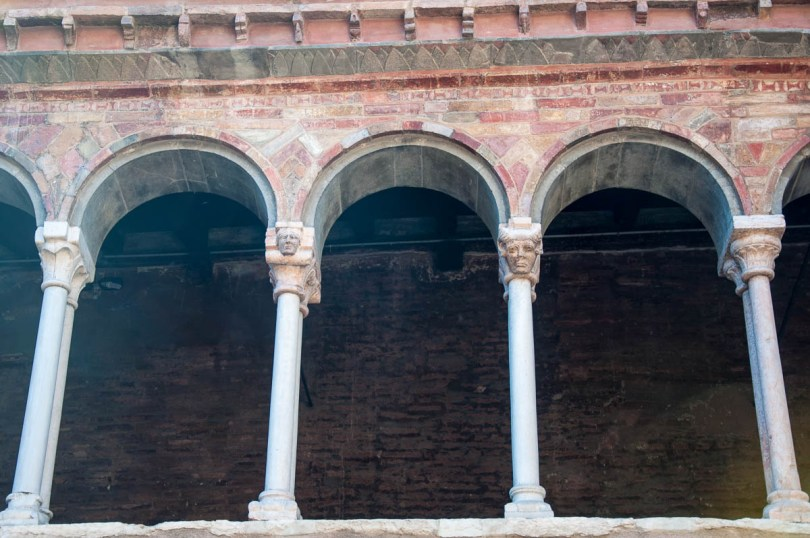 Pillars with faces - Basilica of Santo Stefano - Bologna, Emilia-Romagna, Italy - www.rossiwrites.com