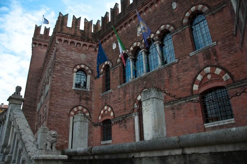 The Castle - Cologna Veneta, Italy - www.rossiwrites.com