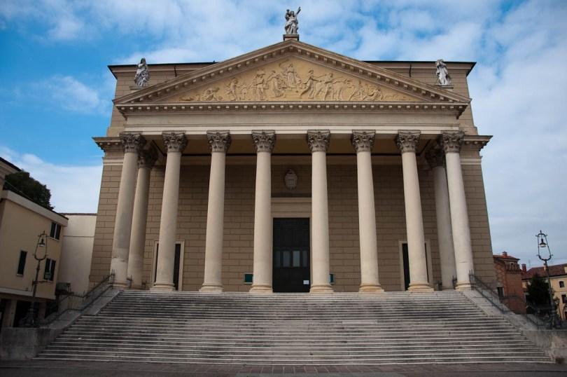 The Neoclassical Duomo - Cologna Veneta, Italy - www.rossiwrites.com