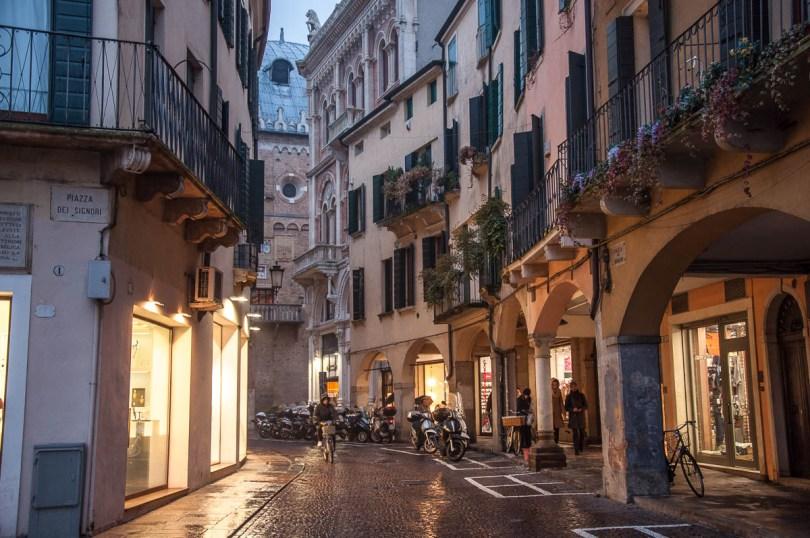 A rainy street with a portico - Padua, Veneto, Italy - www.rossiwrites.com