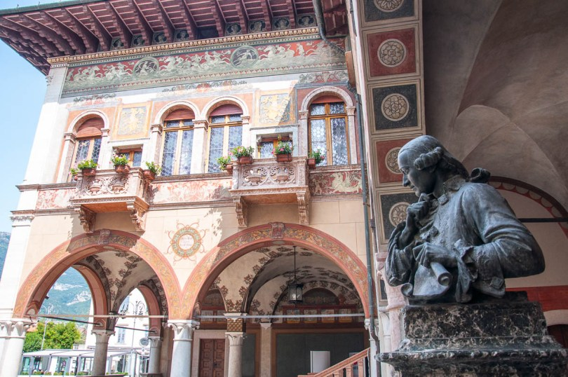 The richly frescoed building of the local Cassa di Risparmio - Rovereto, Trentino, Italy - www.rossiwrites.com
