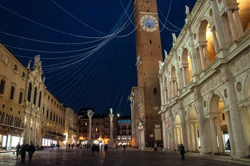 Piazza dei Signori with Christmas lights - Christmas in Vicenza - Veneto, Italy - www.rossiwrites.com